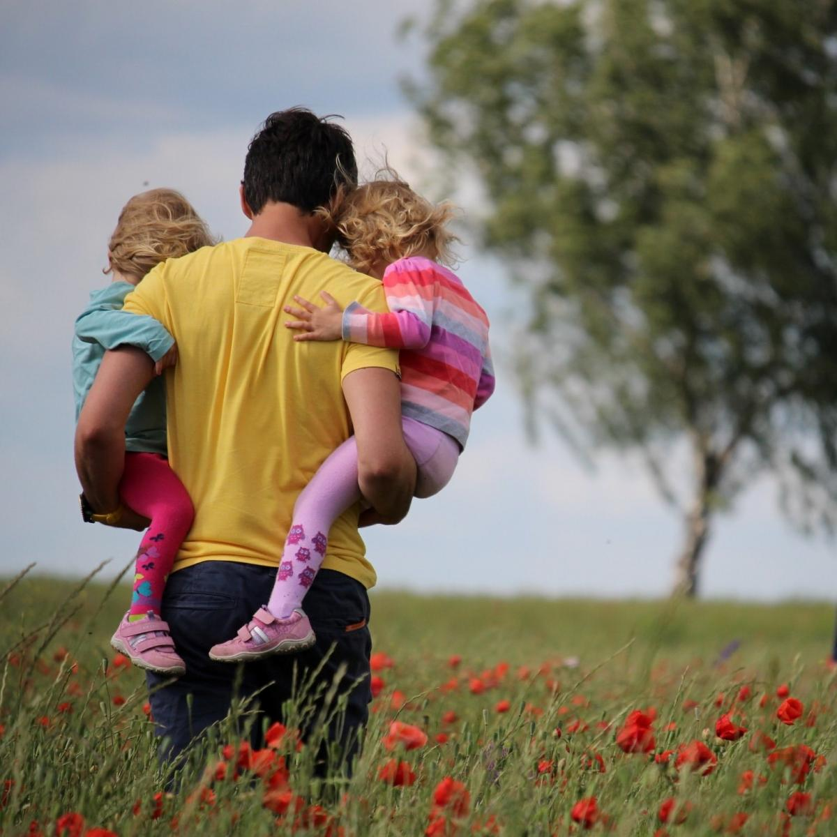 5 Thoughtful Ways to Make His Father's Day