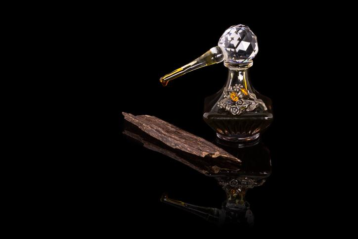 Fragrance Facts: Uses and Benefits of Oud Oil