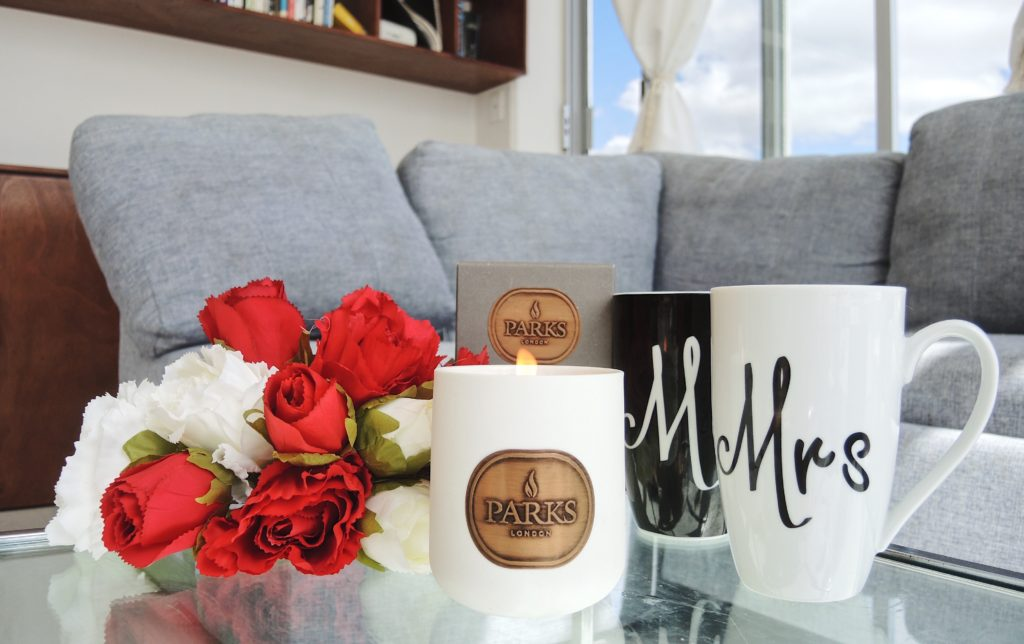 valentines day ceramic candle with roses and mugs